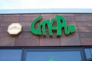 Leuchtschrift-City-Pub-Chemnitz-future-werbung2.jpg